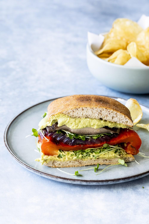 Sandwich aux legumes grilles et houmous de cajous et pois chiches au pesto-1548-Edit